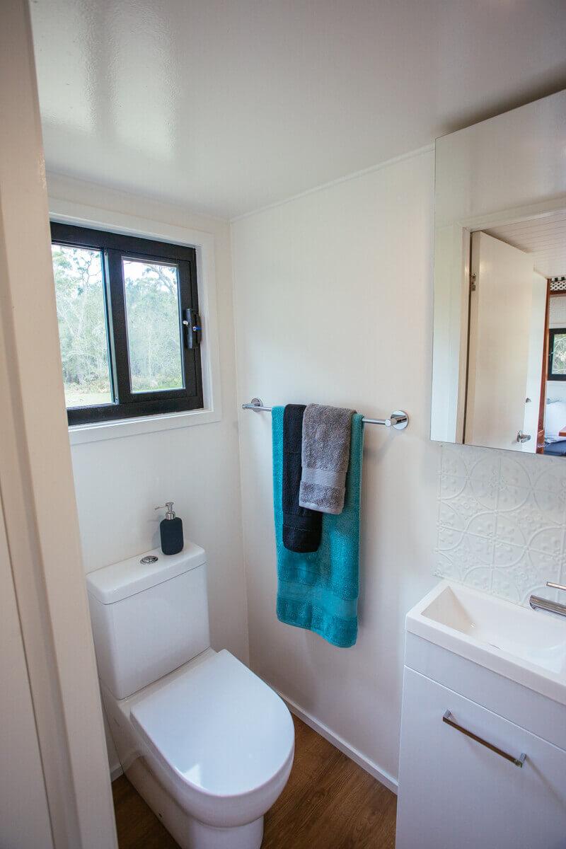 IS4800 Bathroom toilet