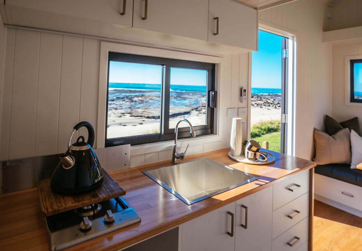 4800sl_0005_Tiny Home - Independent Series 4800 Kitchen