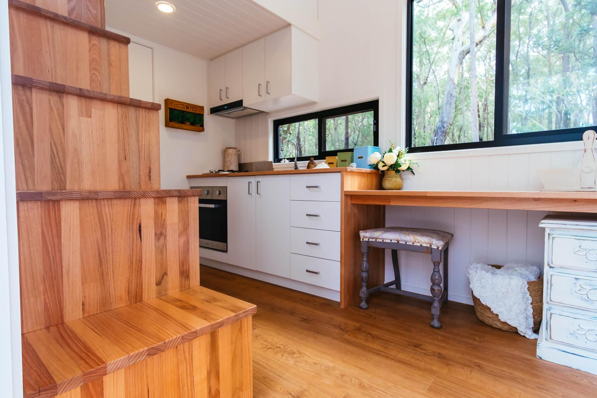 GS6000DLS Kitchen (stairs)